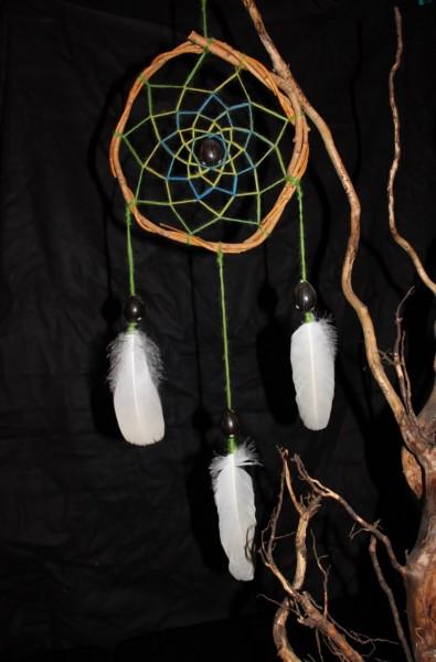 Traumfänger mit grüner Wolle