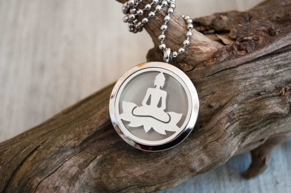 Kette Buddha auf Lotus