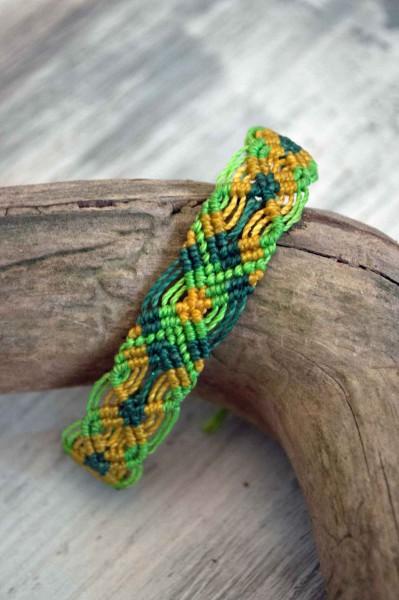 Armband Makramee Muster grün