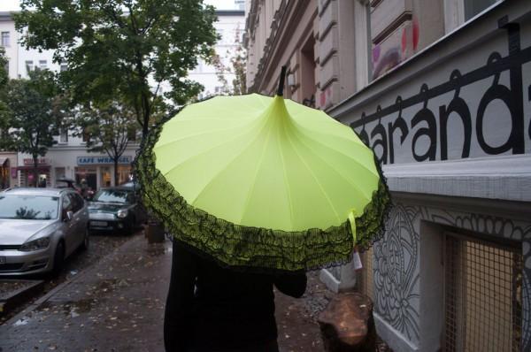 Schirm uv gelb